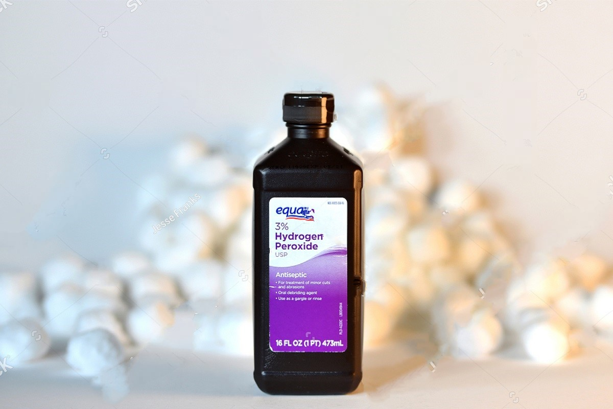 Food-Grade Hydrogen Peroxide Is A Tooth Cleanser