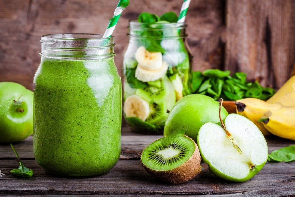 Diet Shakes Vs Green Smoothies - Which is Better?
